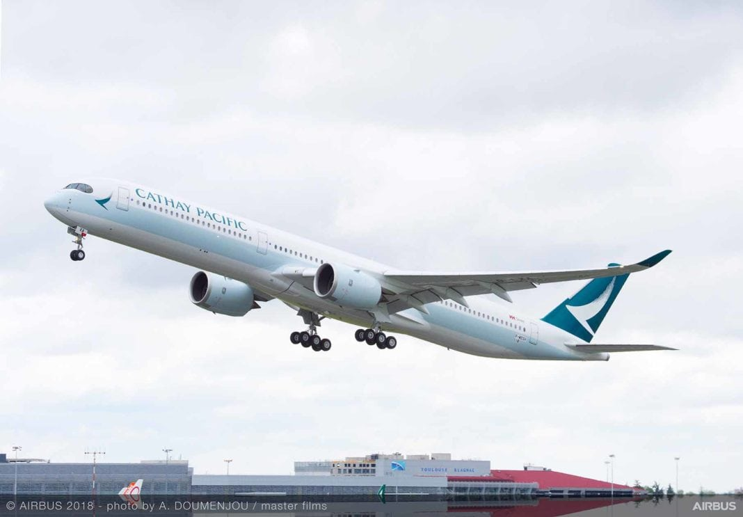 A350-1000-Cathay-Pacific-MSN118-take-off-