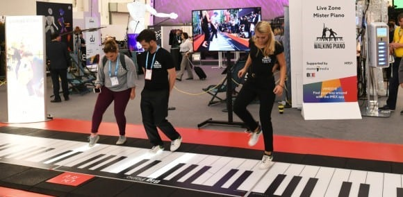 IMEX-America-The-Walking-Piano-in-the-Live-Zone-at-IMEX-in-Frankfurt