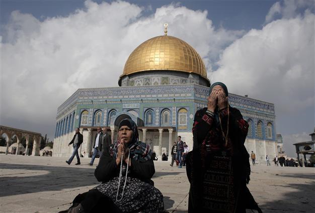 Muslim tourists driving travel to East Jerusalem