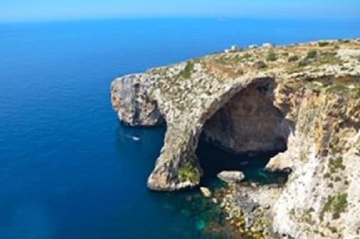 Синята пещера в Малта