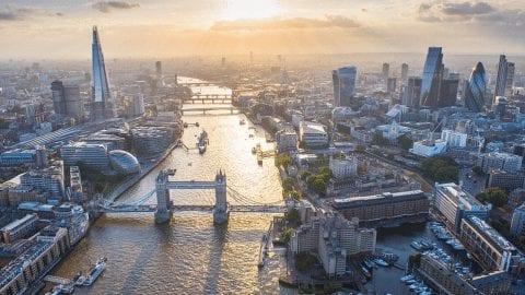 Σπουδές στο Λονδίνο