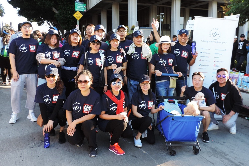 Some-members-of-the-50-strong-SkyTeam-group-that-participated-in-the-10-kilometer-walk-through-historic-downtown-Los-Angeles