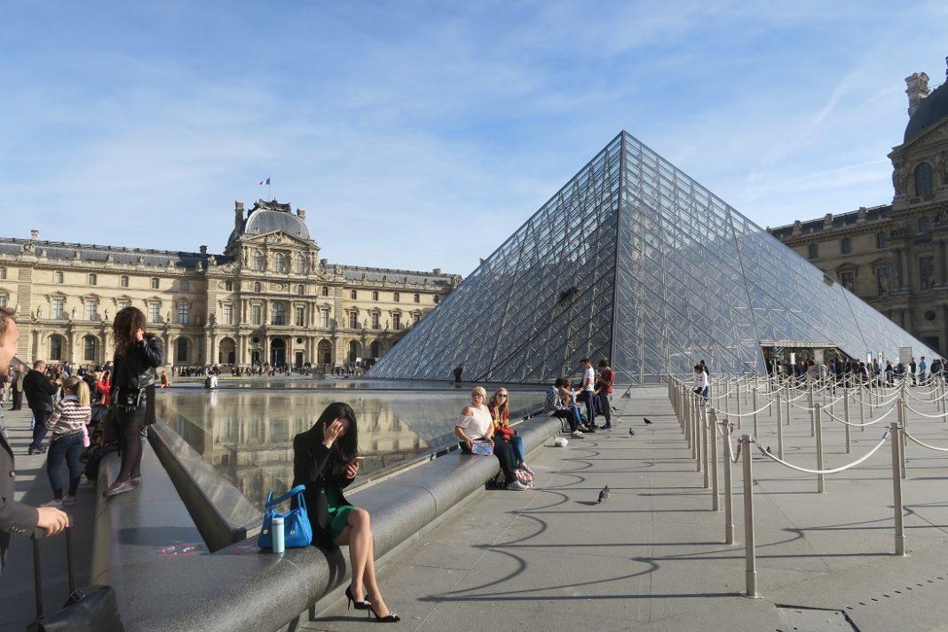 Carrousel-du-Louvre-Paris-the-Glass-Pyramid