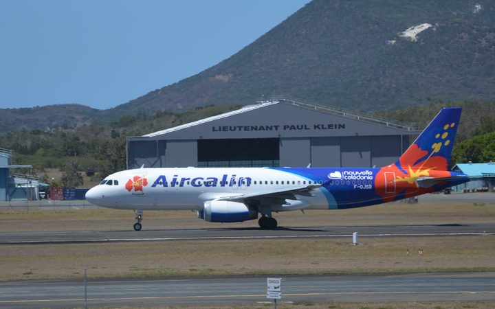 France-aids-New-Caledonia-airline