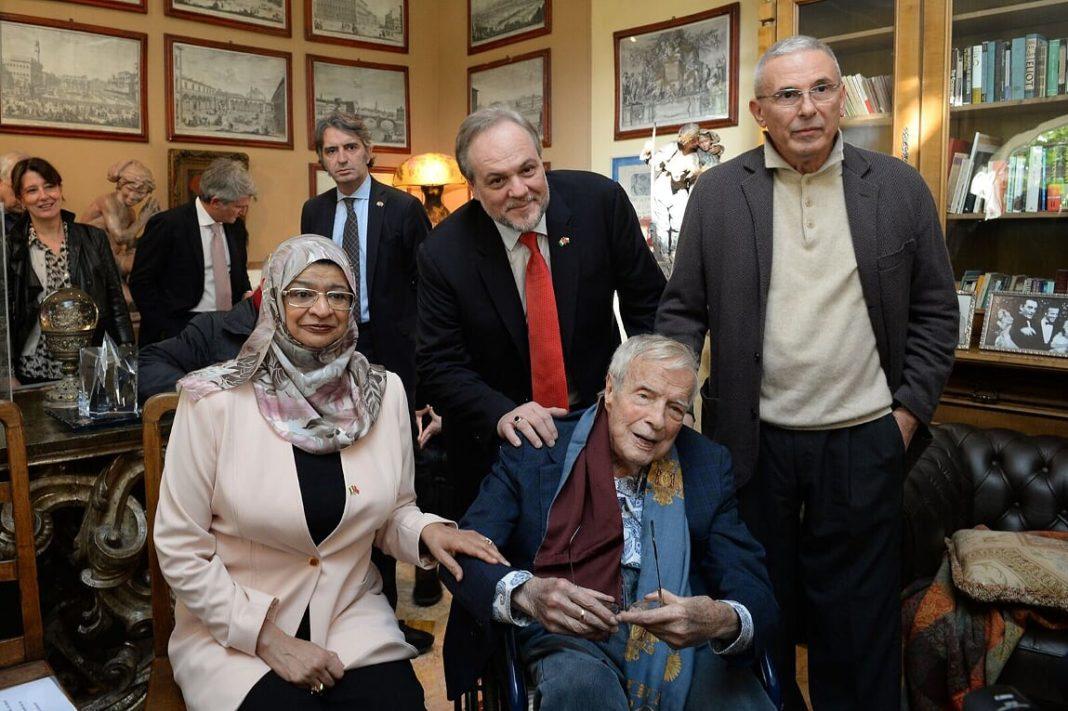 Front-line-Dr.-Rawya-Albusaidi-Eng-Franco-Zeffirelli-back-red-tie-Umberto-Fanni