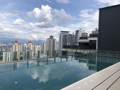 HHKL-Roof-top-sky-pool