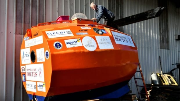 71 years old French man to cross Atlantic in a barrel shaped capsule