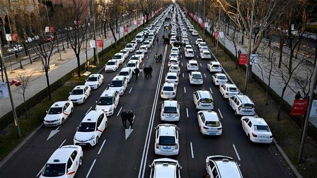 Massive anti-Uber protest paralyzes Madrid
