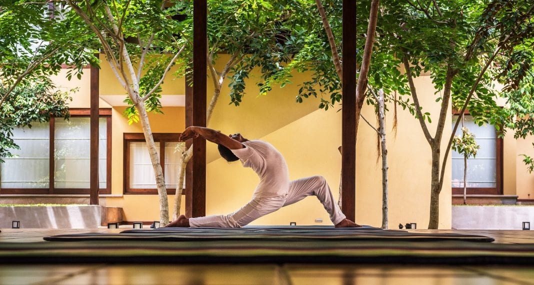 Εικόνα-of-a-Yoga-session-at-Jetwing-Ayurveda-Pavilions