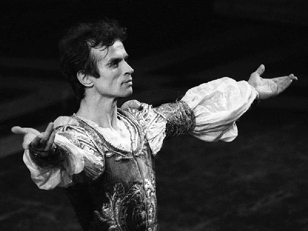 Rudolf-Nureyev-interpreta-Romeo-al-Teatro-alla-Scala
