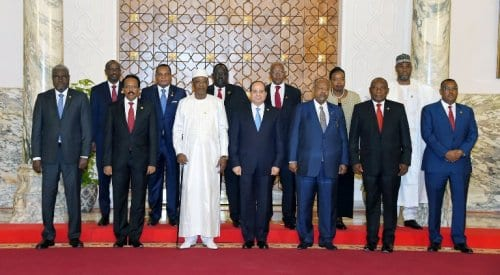 african_leaders_pose_after_a_meeting_on_sudan_s_politcal_crisis_on_23_april_2019_photo_egypt_presiency_-82367