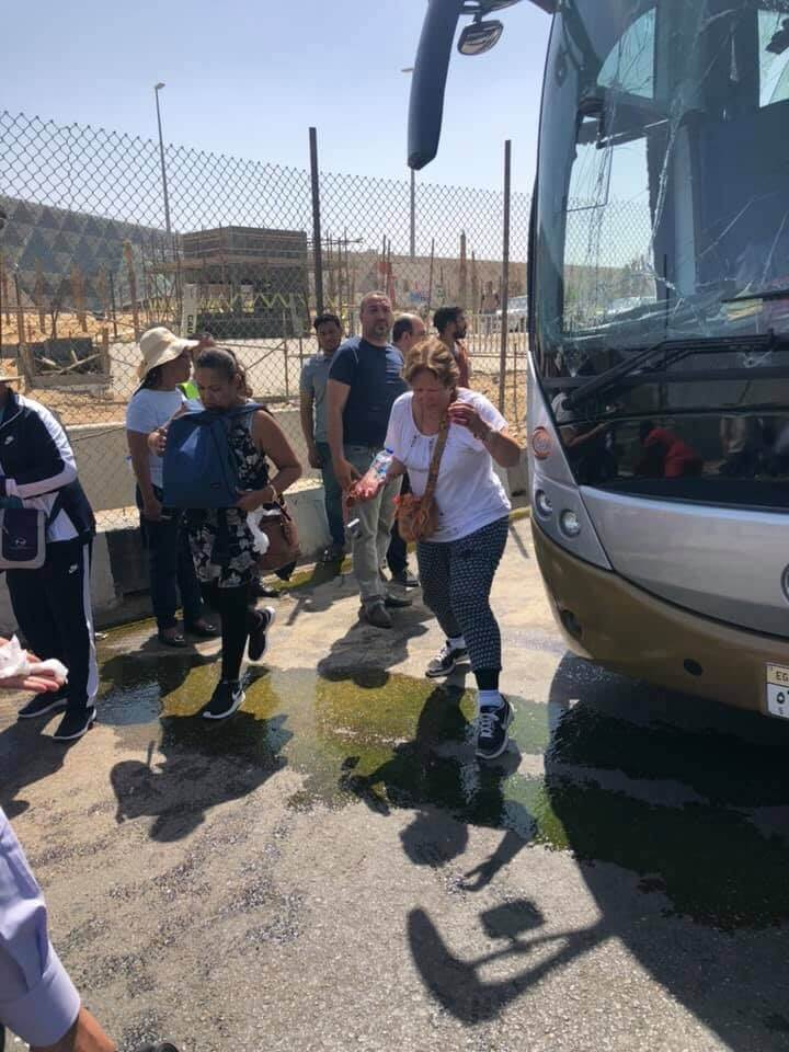 16 foreign tourist wounded in tour bus bombing near Giza pyramid complex