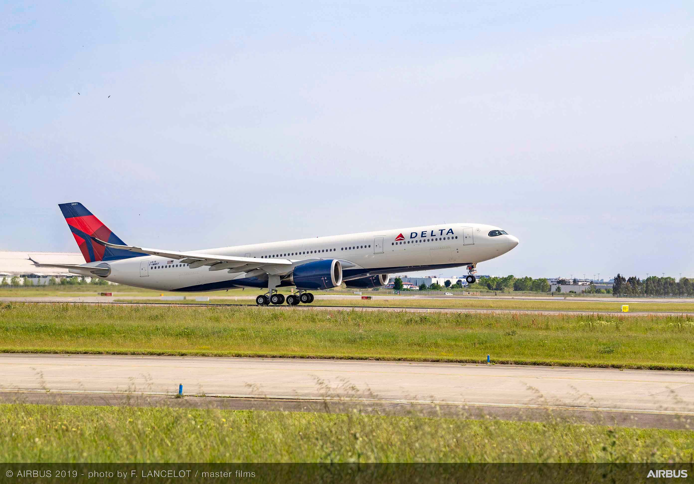 Airbus delivers first highly efficient A330neo to Delta Air Line