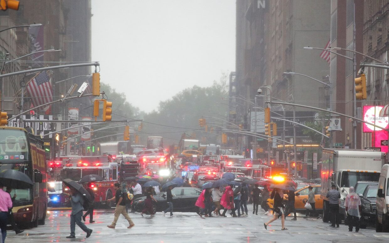 Helicopter crashes into midtown Manhattan building, one person killed