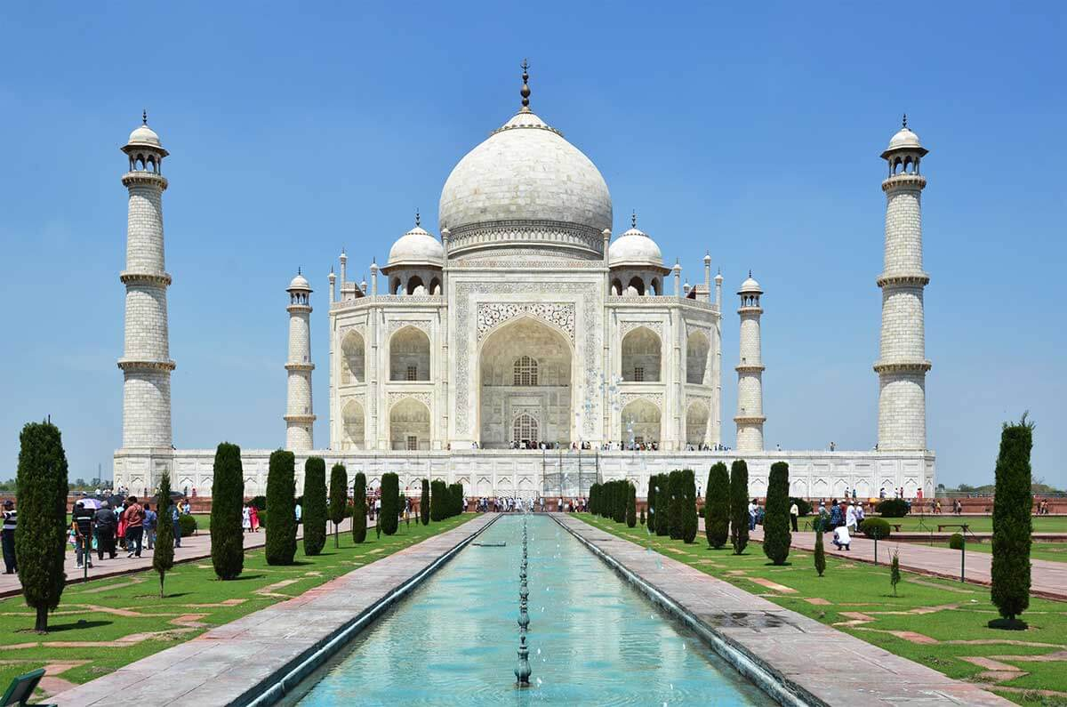 Agra Tourism: Facing the challenge of change