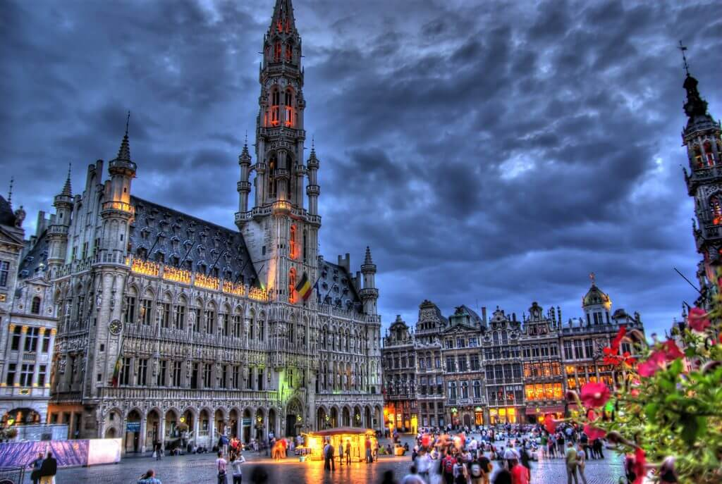 Grand-Placo-Bruselo-1024x687-1