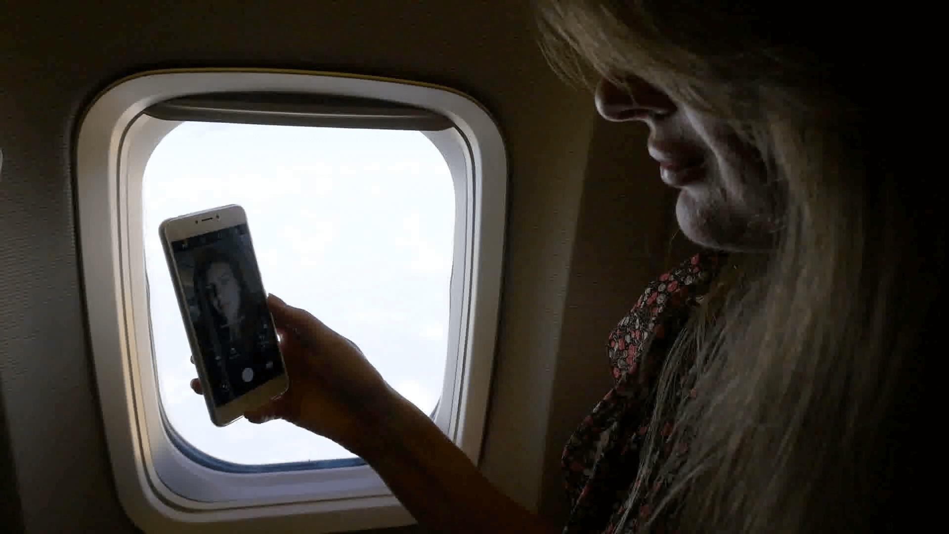 સર્વે: વિમાનોમાં મુસાફરો ઓછા સામાજિક બનતા હોય છે