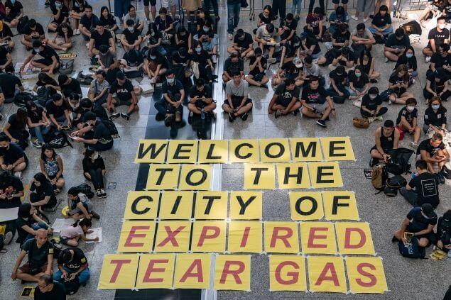 Hong Kong ser ut til å lide et dramatisk fall i besøkende