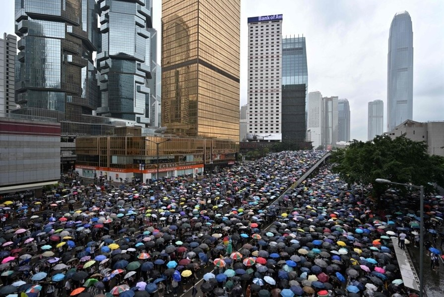 Hong Kong tourism workers, retailers scramble to stay afloat amid ongoing protests