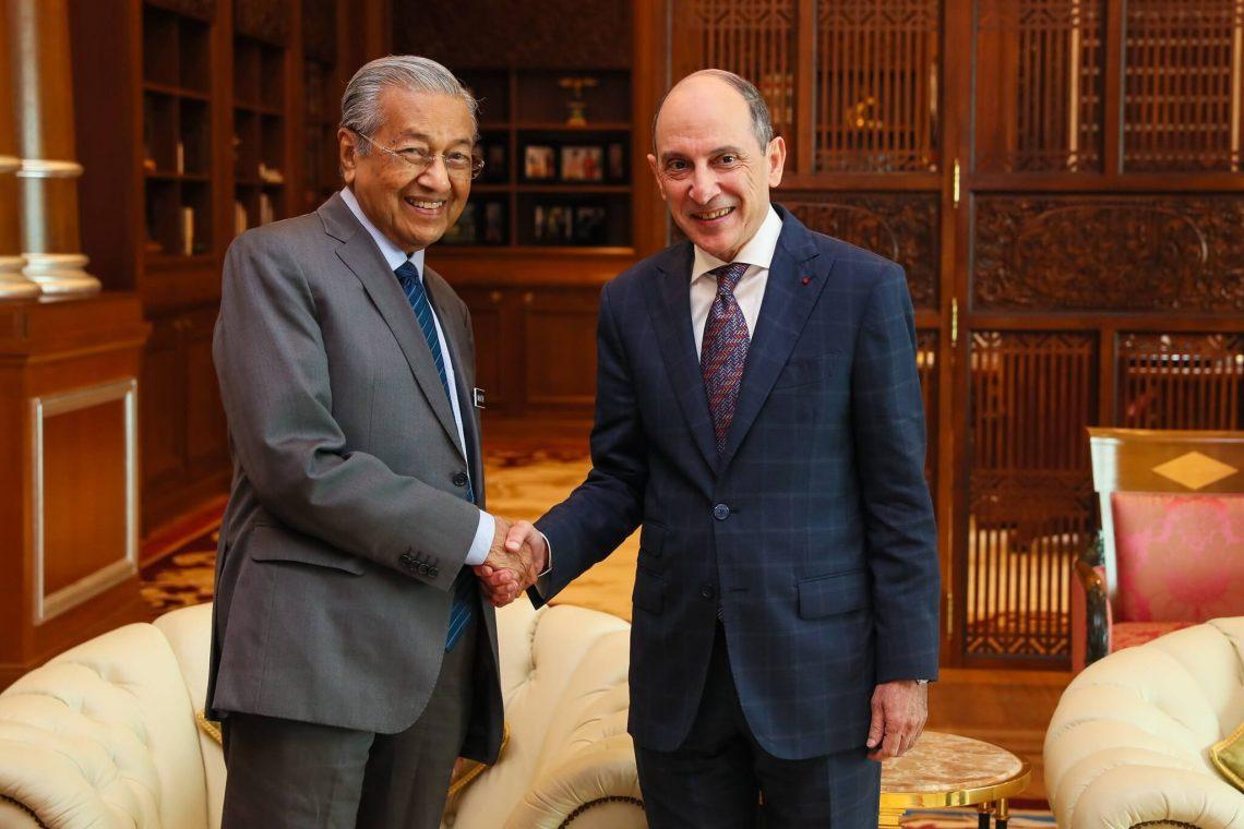 Onye isi Qatar Airways na Prime Minista Malaysia na-atụle isi nsogbu ụlọ ọrụ, ụgbọ elu Langkawi na-abịa