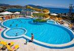 Der 12-jährige russische Tourist, der im türkischen Hotelpool verletzt wurde, stirbt im Krankenhaus