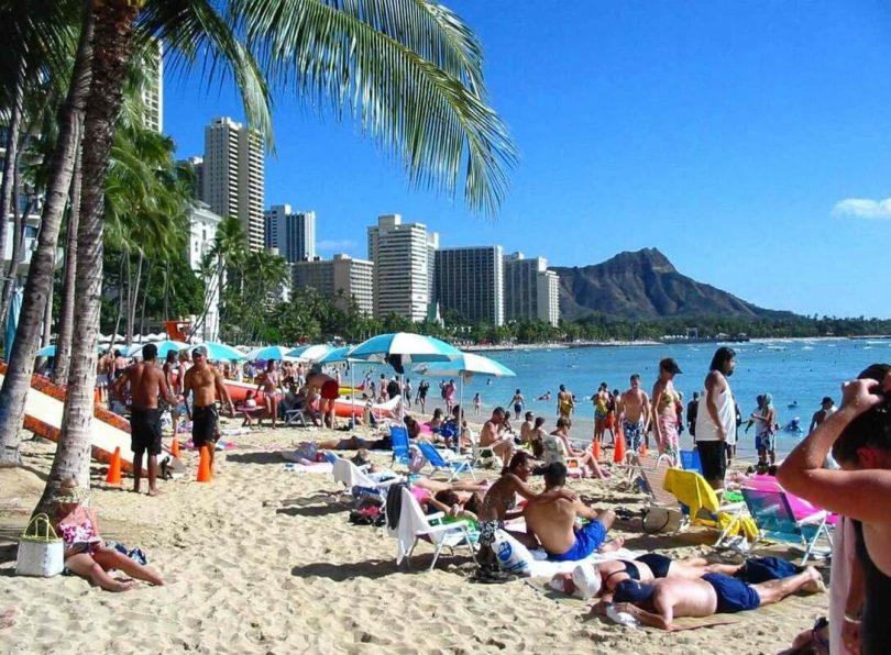 Turistički dolari: Dolaznici s Havaja u srpnju potrošili 2.4 posto
