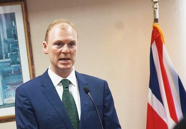 El gobernador de las Islas Vírgenes Británicas anuncia toque de queda en preparación para el paso de la tormenta tropical Dorian
