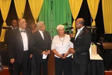 バートレット大臣は、ジャマイカ独立ガラのディアスポラで先駆者として女優ケリーワシントンを称賛します