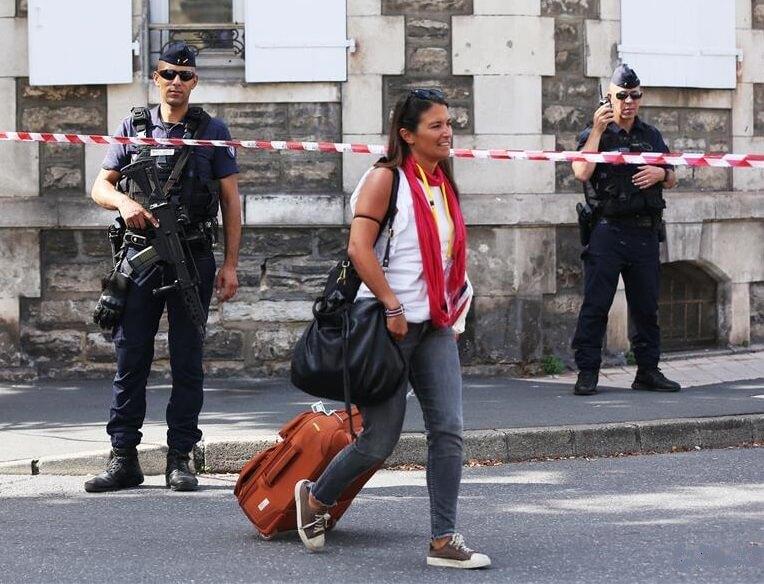 Cidade turística francesa se transforma em fortaleza para o encontro do G7