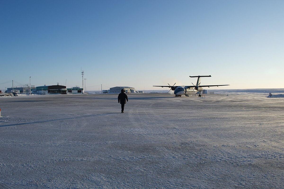 1200px αεροδρόμιο cambridge bay 13431264743