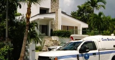 Airbnb Miami: fitifirana fety iray hafa - lehilahy hopitaly