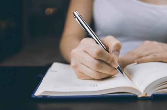 आपके लेखन में उदाहरणों का उपयोग करने का महत्व