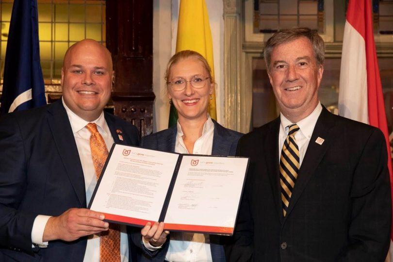 Ottawa Tourism and Hague Convention Bureau podepisuje schůze a konference MOU