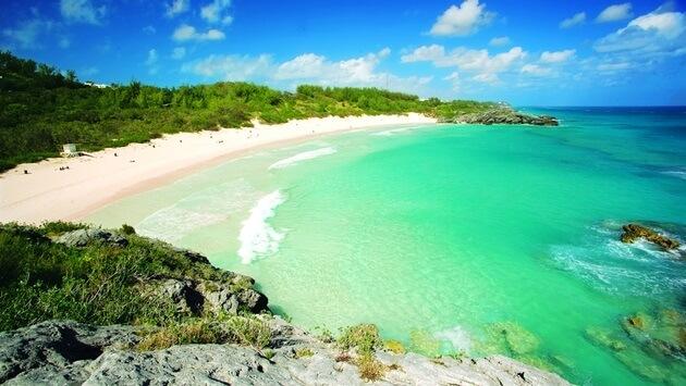 Bermuda është e hapur për biznes pas Uraganit Humberto