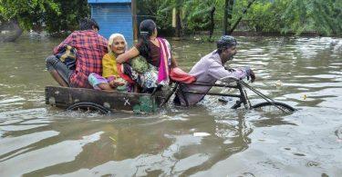 """""""Безпрецедентен"""" мусон убива поне 59 в Северна Индия"""