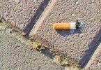 Touristen oppassen: Portugal deklaréiert Krich géint Zigarettestëmp