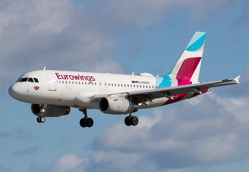 Acht minsken sikehûs nei Eurowings-flecht mishannele troch swiere turbulinsje