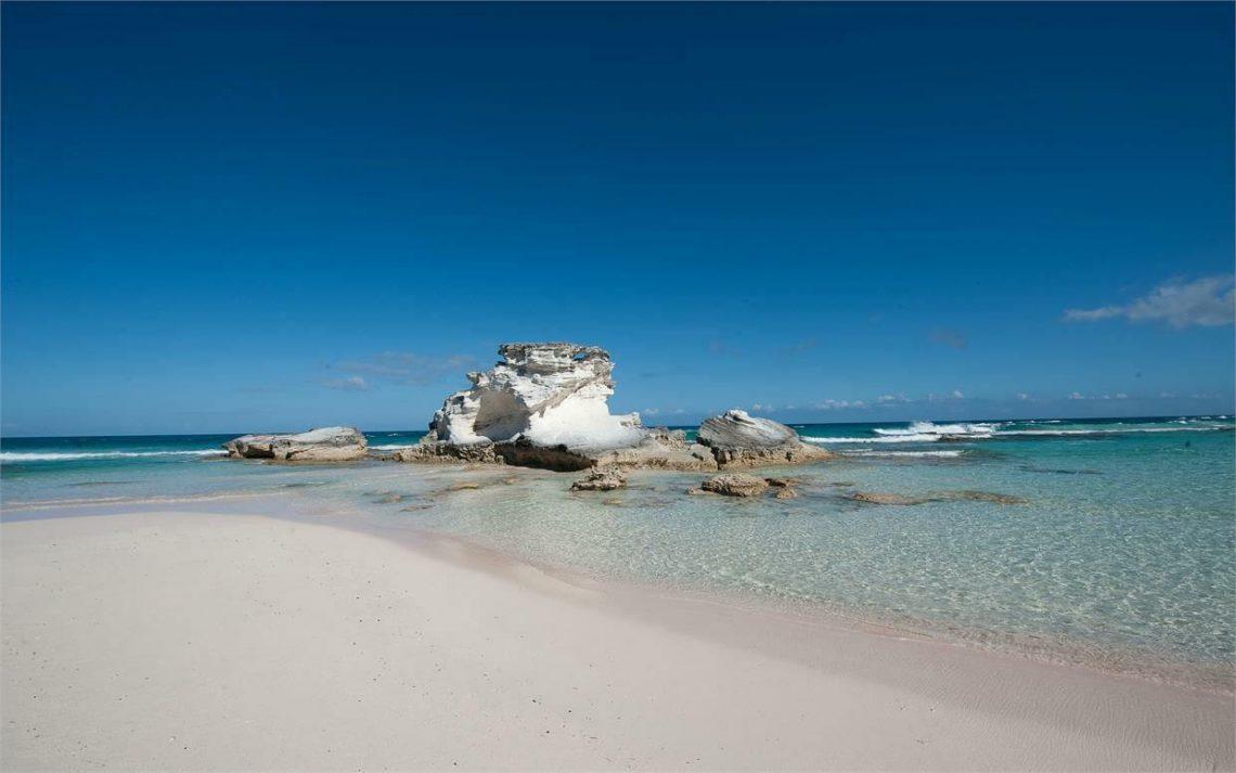 14 Insuloj de Bahamoj pretas bonvenigi vizitantojn kun malfermitaj brakoj