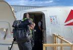 پرواز امدادی دلتا به باهاما بازماندگان دوریان را تخلیه کرده و 4,700 پوند لوازم را تحویل شما می دهد