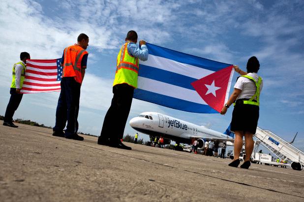 US halts air service to all Cuban airports