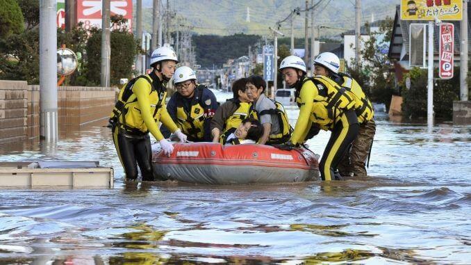 Dvije osobe su ubijene, 2 je ozlijeđeno, 70 su nestale dok je tajfun Hagibis napadao Japan