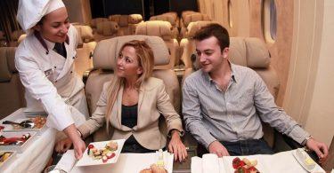 یاتا: افزایش ترافیک هوایی ، تقاضای غذایی با کیفیت باعث رشد بازار غذا در پرواز می شود