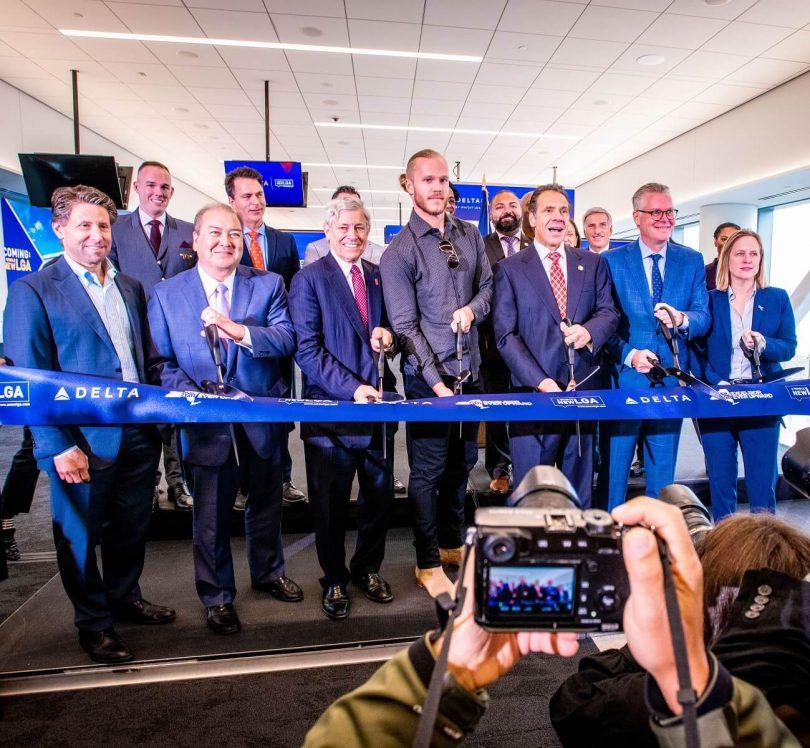 Delta Air Lines- ը բացում է առաջին նոր ելույթը LaGuardia Aiport- ում