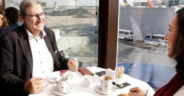 «Café de Luxe»: l'aéroport de Francfort propose une visite de l'aéroport avec café et gâteau