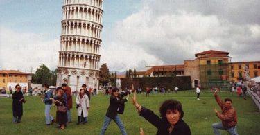 Αμερικανοί τουρίστες καταστρέφουν τον Πύργο της Πίζας για μια selfie
