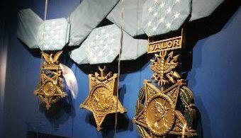 Hisokatra ao amin'ny Arlington, Texas, ny tranom-bakoka medaly nasionaly voalohany