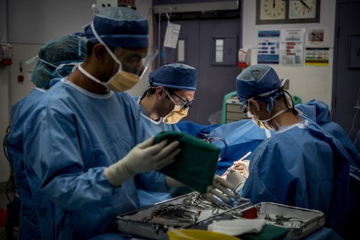 Australianët që shkojnë jashtë shtetit për 'turizmin e transplantimit' mund të ndihmojnë trafikantët e organeve, thonë ekspertët
