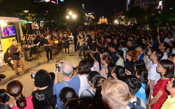 शहर के संस्कृति, खेल और पर्यटन विभाग के अनुसार, एचसीएम सिटी 2019-13 दिसंबर को अंतरराष्ट्रीय संगीत समारोह एचओ डीओ 15 (एचओजेडओ) की मेजबानी करेगा।
