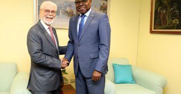 Le ministre jamaïcain du tourisme, Bartlett, cherche à augmenter les arrivées en provenance du Brésil
