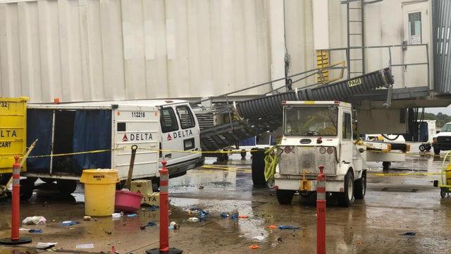 Storme tilføjede stress til rejsende i Memphis lufthavn